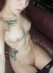 Cute Tattooed Girlfriend Takes Self Pictures For Her Boyfriend Who Shared Them With Us - Picture 12